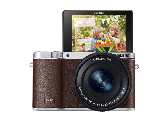 samsung-nx3000-front Samsung NX3000 is a mirrorless camera for selfie enthusiasts News and Reviews