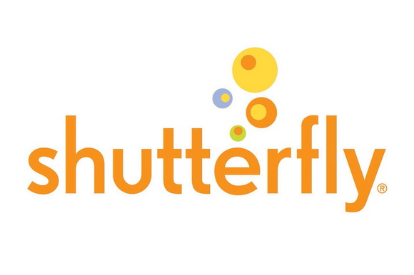 Shutterfly has filed suit against Kodak for violating an agreement between the two companies