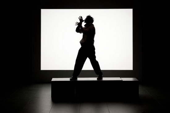 silhouette-photography-monster-acting-scary Silhouette photography of people making shadow monsters in a musem Exposure