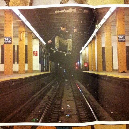 skateboarder-ollie-subway-tracks-viral-photo Viral photo of a skateboarder ollieing over subway tracks Fun