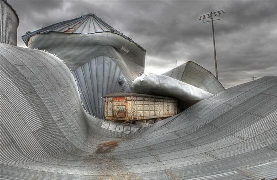smithsonian-photo-contest-2012-tornado-aftermath Smithsonian Photo Contest 2012 finalists announced News and Reviews