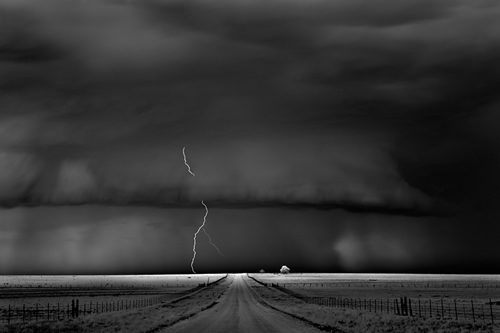 storm-approaching-by-itch-dobrowner 2013 Sony World Photography Awards Exhibition News and Reviews