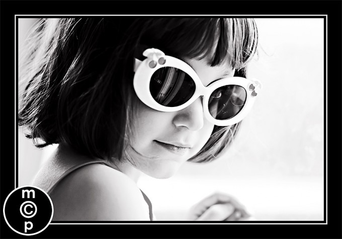 sunglasses-ellie8bw Sharing a few photos: Ellie in Sunglasses Photo Sharing & Inspiration