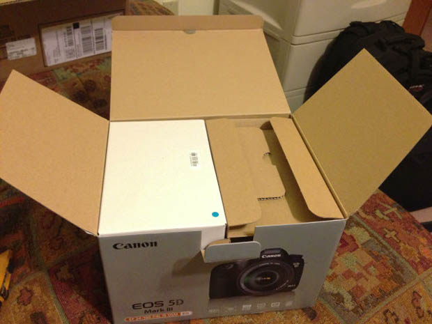 unboxing-camera-6 Dell customer victim of Canon 5D Mark III scam News and Reviews