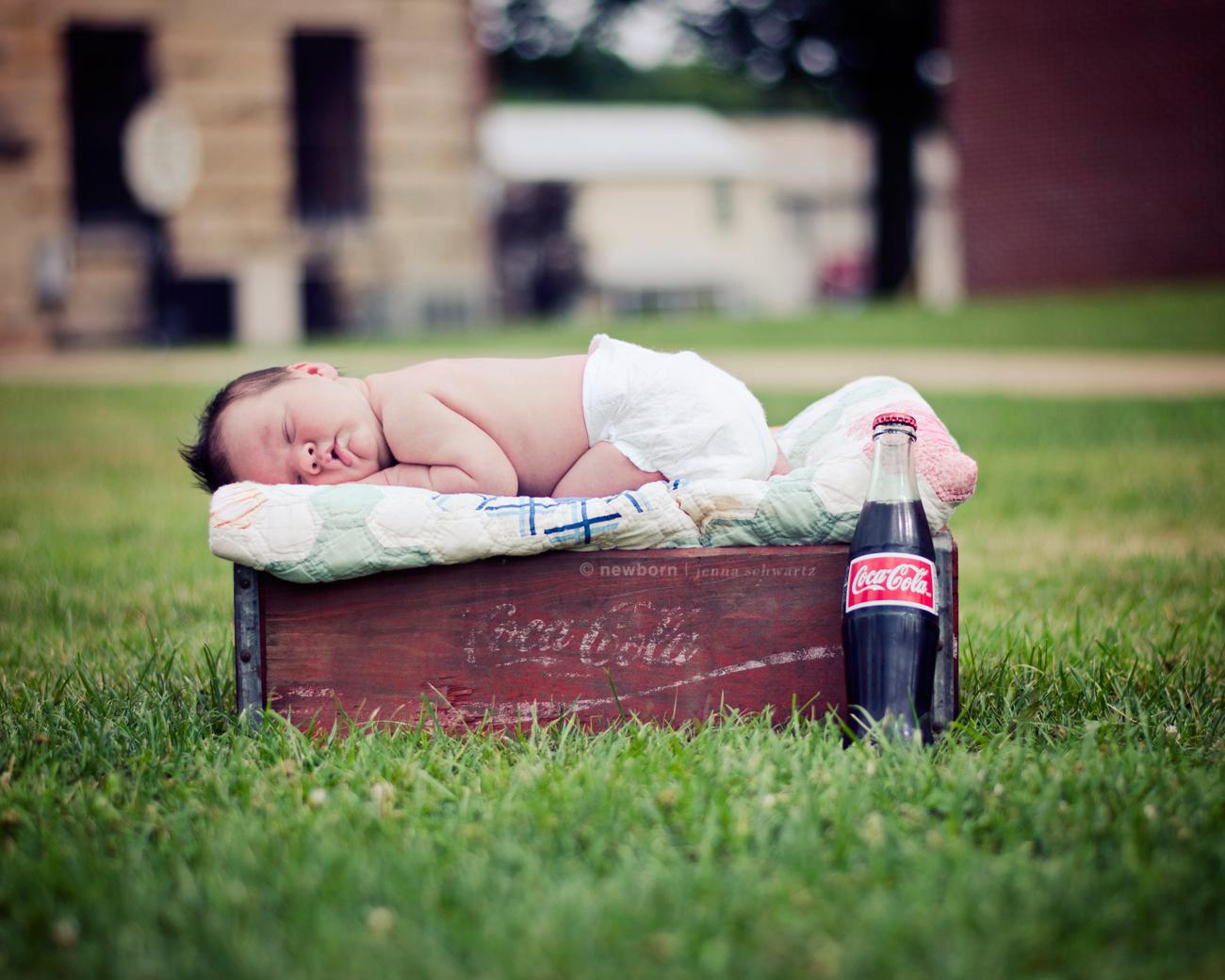 viewDSC_6151small Vintage Outdoor Newborn Edit