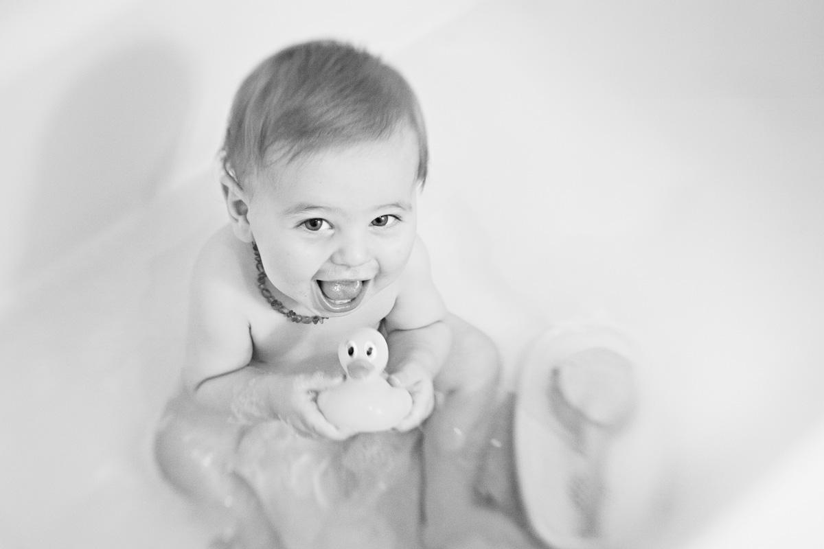 01-2 An Inspiring Black and White Bathtime Baby