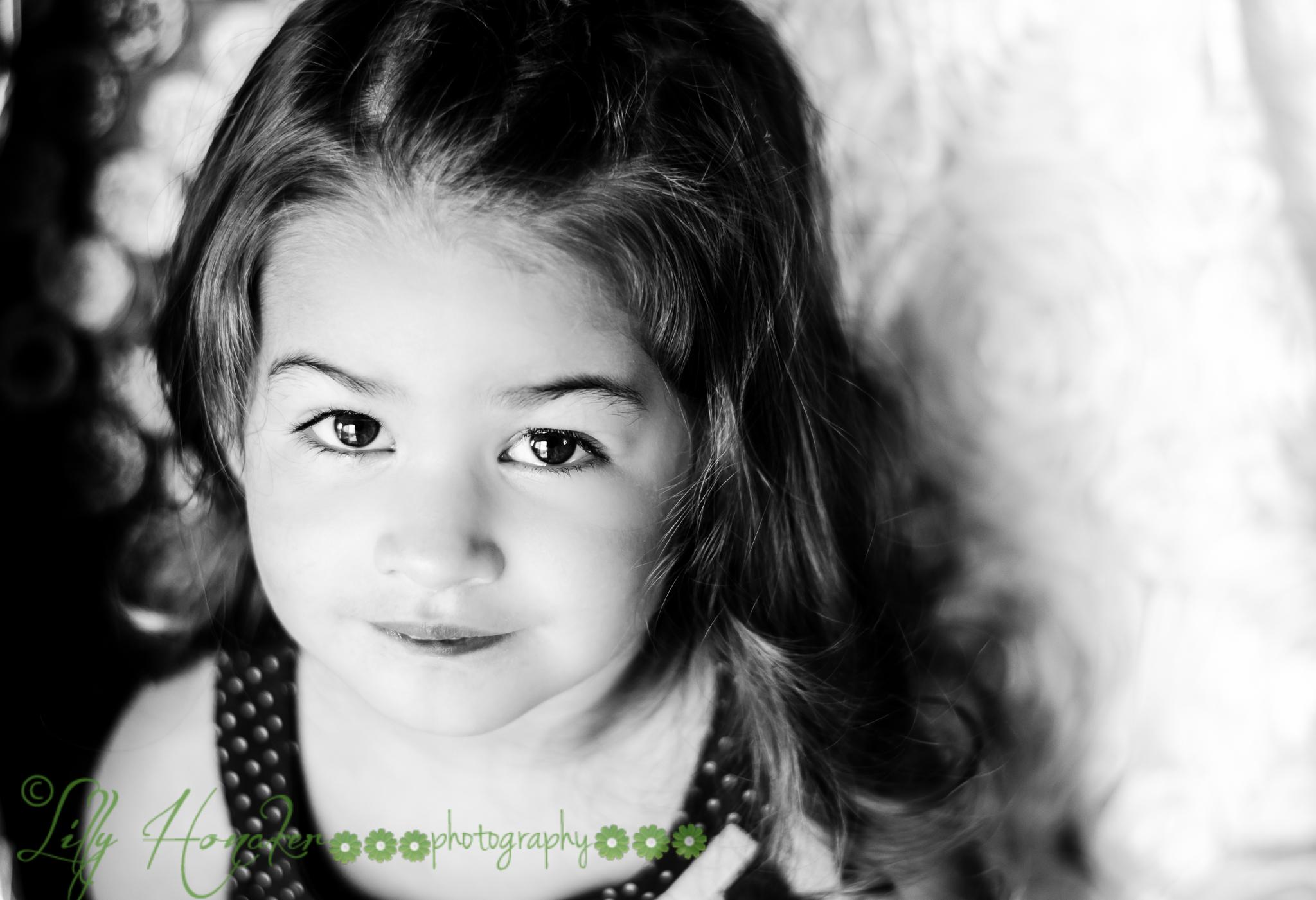 DSC_0993-2 Beautiful Bella in Black and White