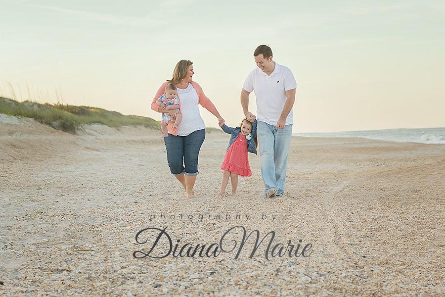 DSC_5115_web-1 Family Beach Stroll
