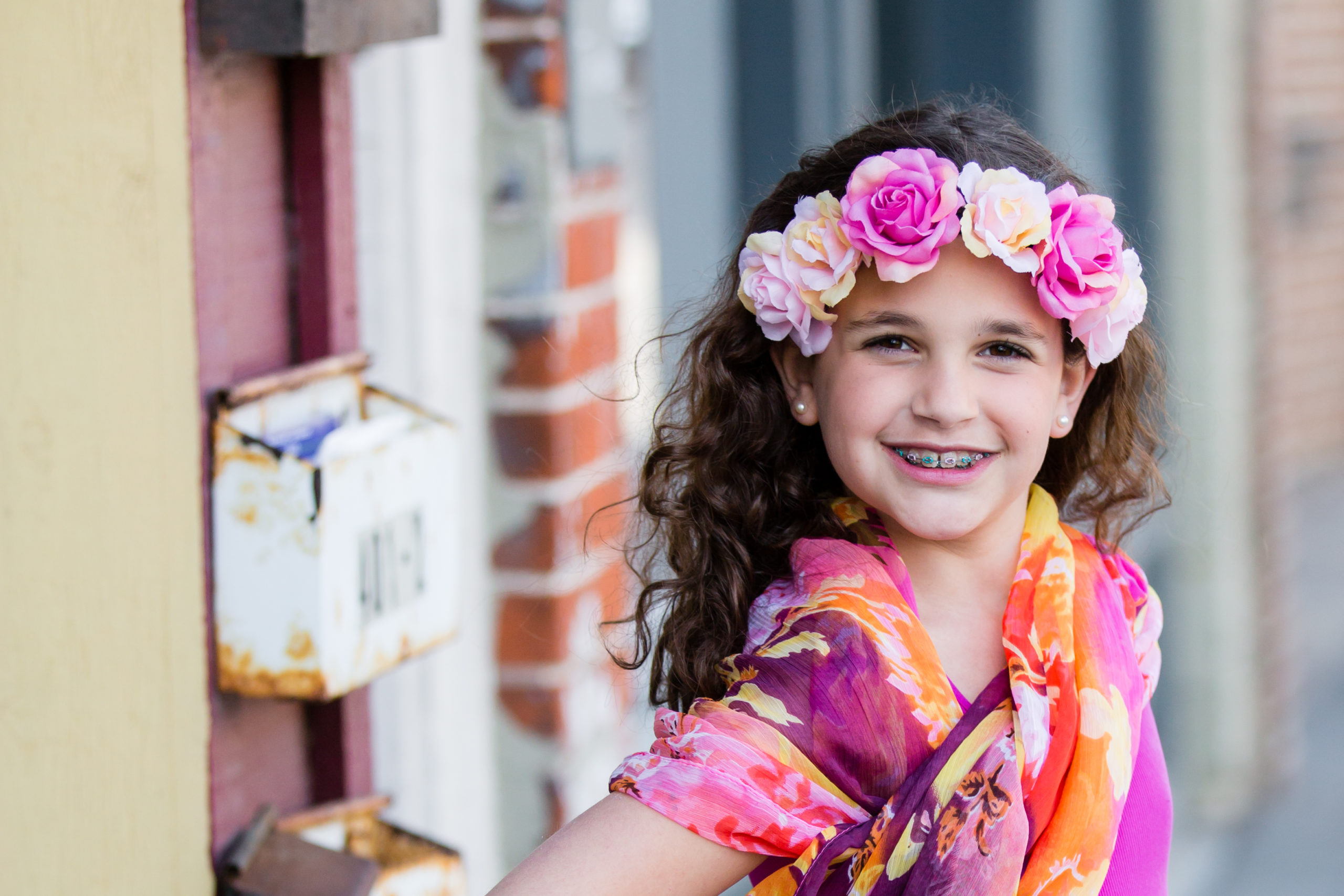 Jenna-in-Milford-with-floral-headband-3-scaled Colorful Urban Girl Edit