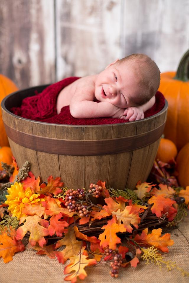 LJP_06_M48A7087-orig-1 Fall Newborn Edit